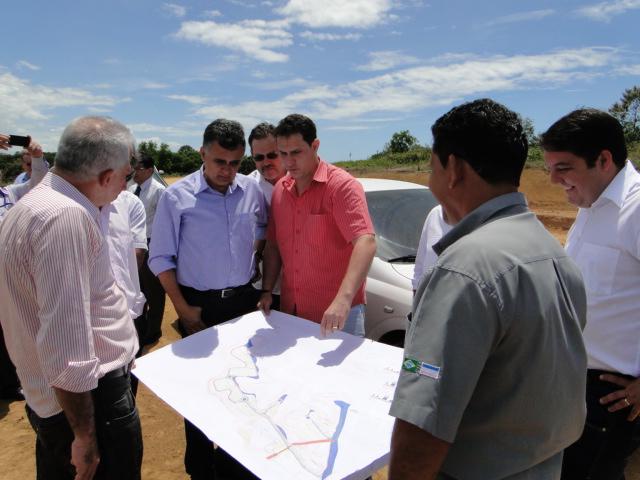 Bruno Lamas participa de visita às obras do Cercado da Pedra