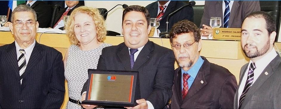 Bruno Lamas recebe homenagem da OAB
