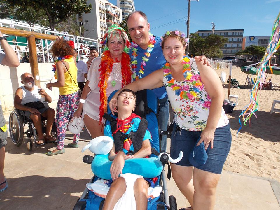 Carnaval com banho de mar à fantasia no 'Praia Legal'