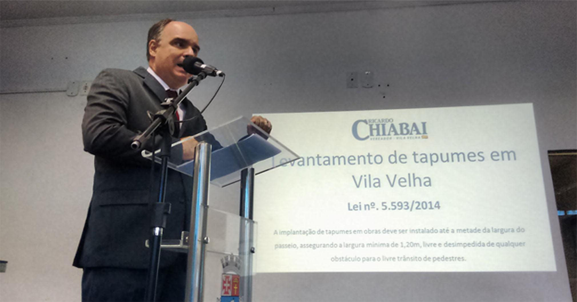 Chiabai apresenta estudo sobre tapumes e calçadas irregulares