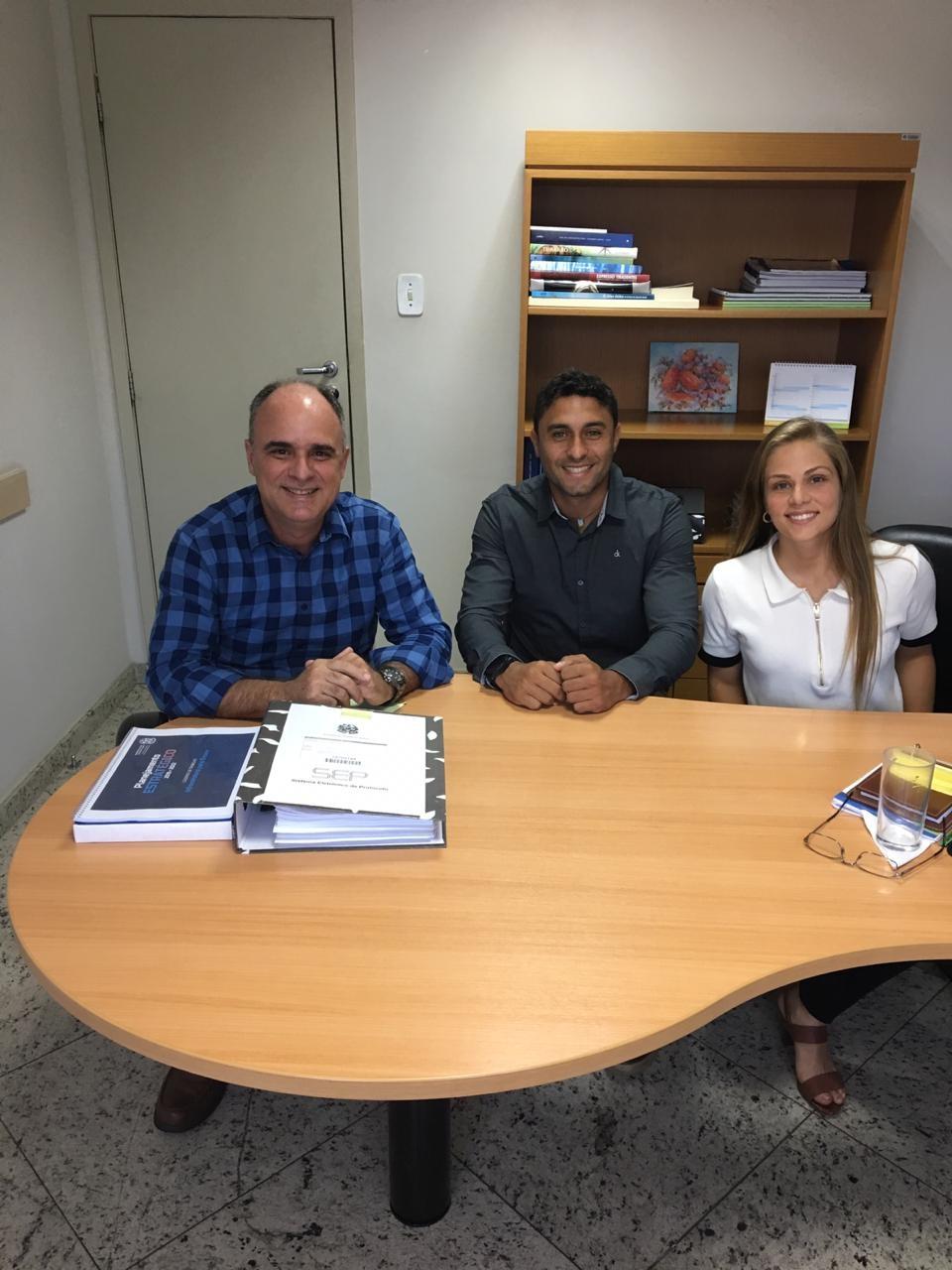 Chiabai recebe os amigos Bruno e Amanda, empresa Vila Recicla Resíduos da Construção Civil