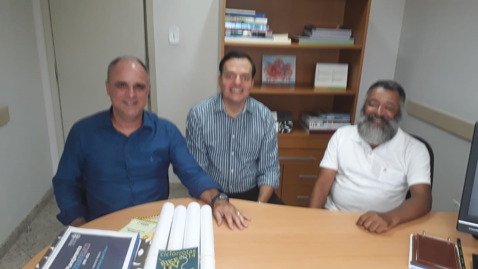 Visita de Ricardo Torres e Durval Júnior, ambos representantes da Casa da Cultura com projetos já aprovados da Lei Rouanet para eventos no ES.