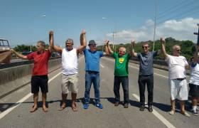 """Manifestação ecológica """"Abrace o Rio Jucu"""""""