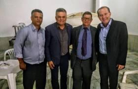Em visita ao município de Alegre com o Vereador de Cachoeiro, Delandi Macedo (PSC), estive com o Amigo Pr Gerson da Assembleia de Deus no Município e o presidente do PSC Samuel!