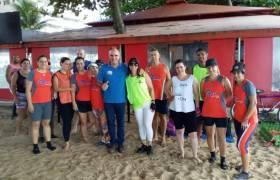 Com amigos na Praia de Itaparica, Vila Velha