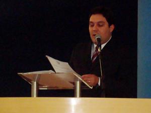 Vereadores derrubam veto a projeto de Bruno Lamas