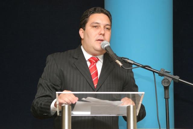 Cursos gratuitos de inglês e espanhol e as chuvas da última semana fizeram parte do pronunciamento de Bruno Lamas