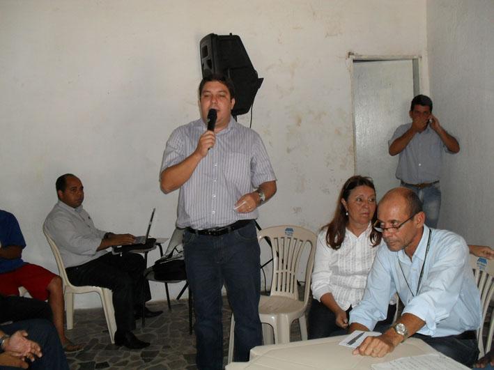 Bruno Lamas participa de encontro com o prefeito no bairro Lagoa