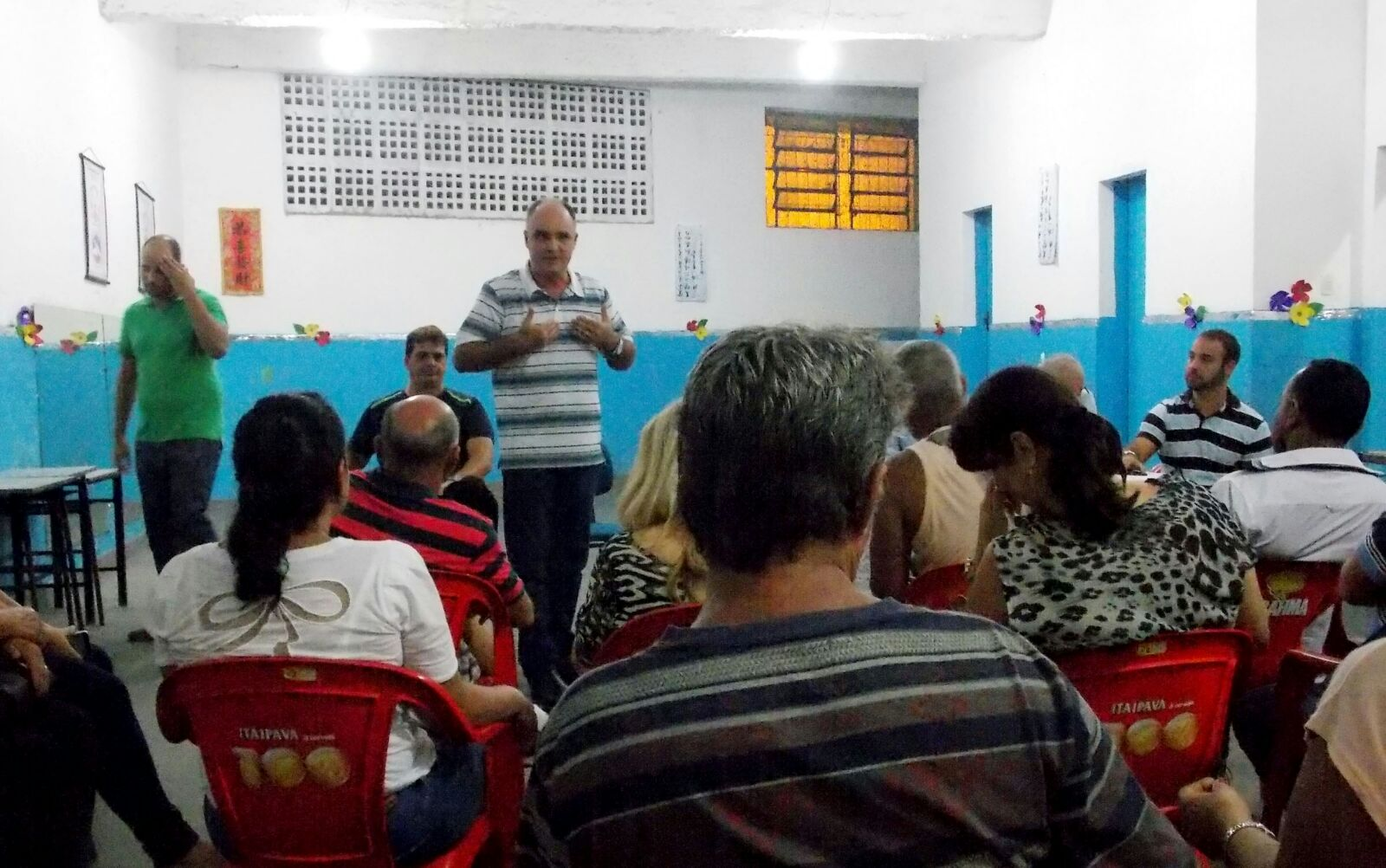 Chiabai defende que moradores reocupem praça Agenor Moreira em Itapoã
