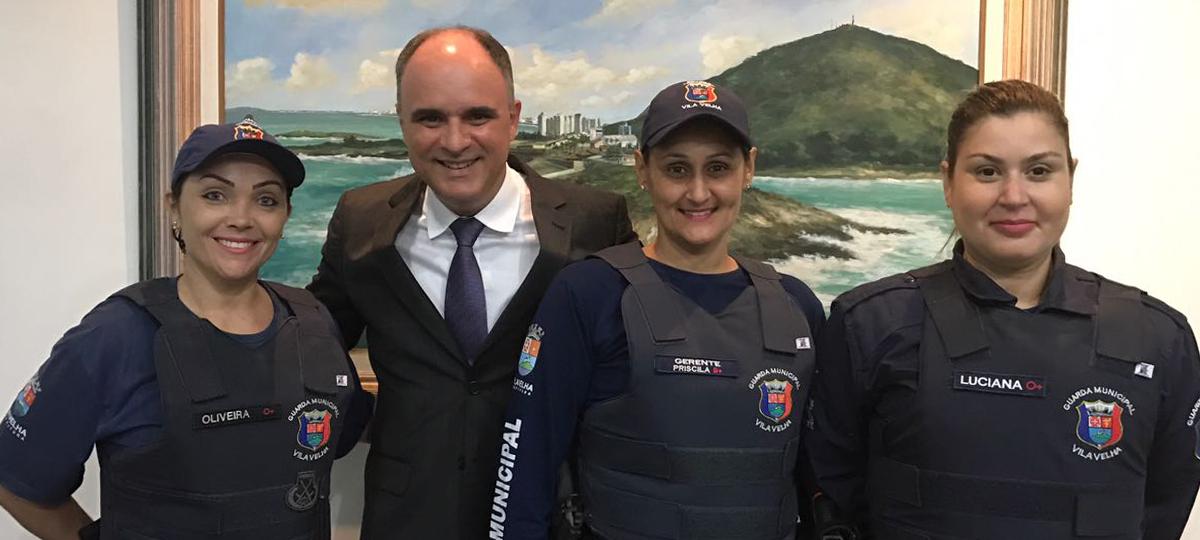 """Chiabai propõe criação de """"Guarda Amiga da Mulher"""" em Vila Velha"""