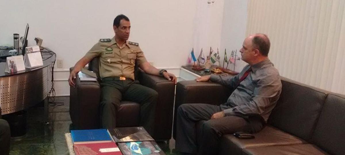 Chiabai faz visita ao comandante do Batalhão 38º BI