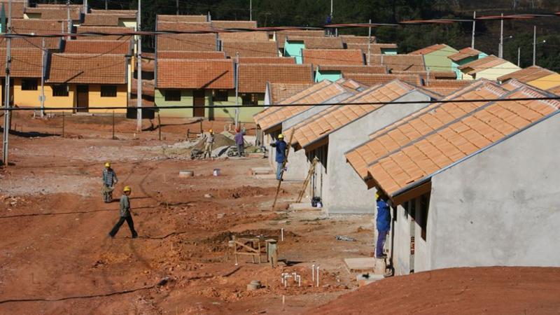 """Projeto """"Moradia Legal"""" garante assistência técnica gratuita a famílias de baixa renda"""