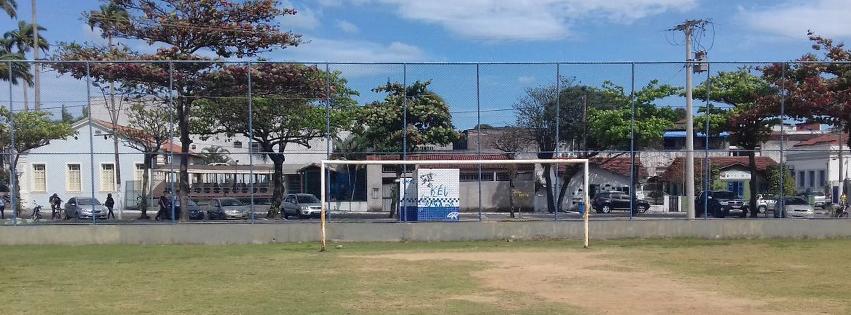 Prefeitura de Vila Velha atende à solicitação e conserta campo da Prainha