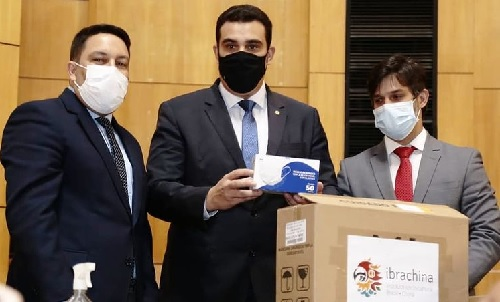 Bruno faz entrega à Assembleia de 5 mil máscaras doadas por instituto chinês
