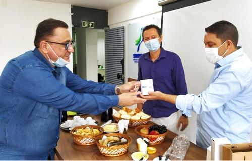Bruno visita sede do Sindicato dos Professores e reforça parceria